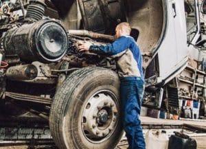 Ремонт грузовиков с выездом в Лобне